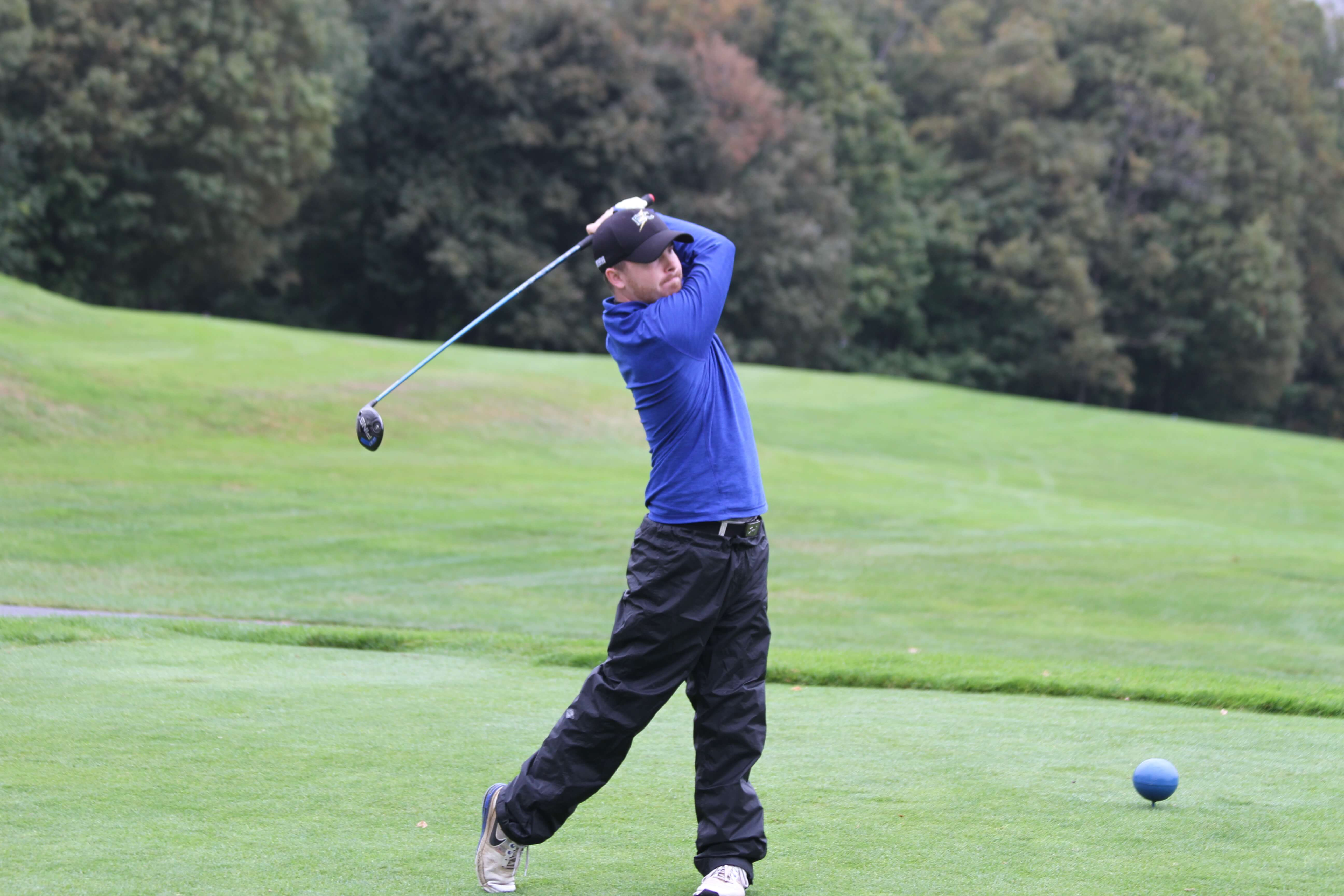 Photo of Chris Soderberg '19 competing for the men's golf team